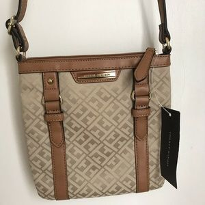 NEW Tommy Hilfiger Small Beige Signature Crossbody